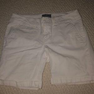 American Eagle White stretch Bermuda shorts